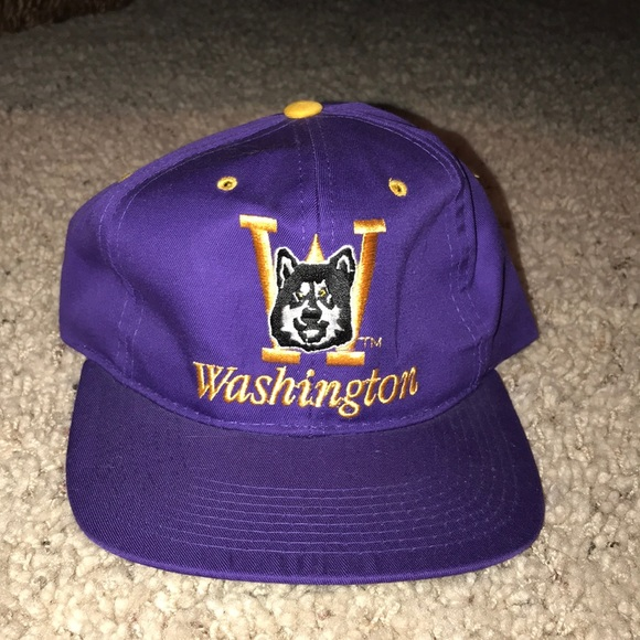 brand new 75f1a f883e Vintage Washington Huskies Purple and Yellow Hat